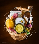 Deluxe Honey and Hive Gift Basket RAW HONEY, BEESWAX CANDLE AND HANDMADE SOAP